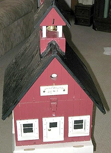 Schoolhouse - Birdhouse