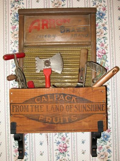 1915 Washboard Rack