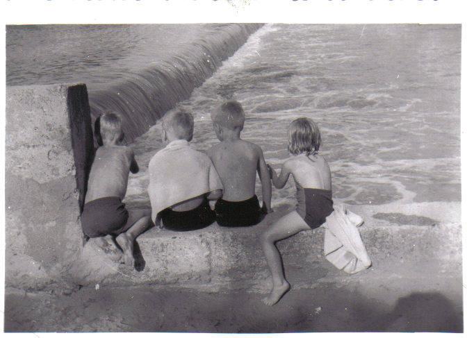 Four Barrett Kids