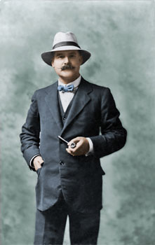 Image © and collection of Brett Payne - Colourised by Andre Hallam