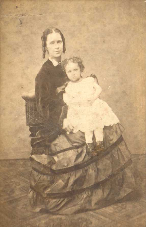 Ellen Hopkins nee Dutillieul with daughter Beatrice