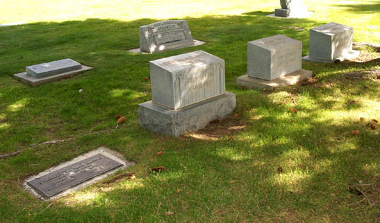 [ Alfred L. Hanks Family Graves ]