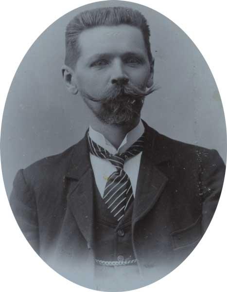 Theodor Schwallbach med Schnurrbart