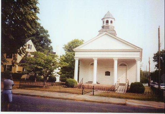 MaKemie Presbyterian Church, Accomac, VA 07-08-2002.  The original MaKemie statue is behind this church.