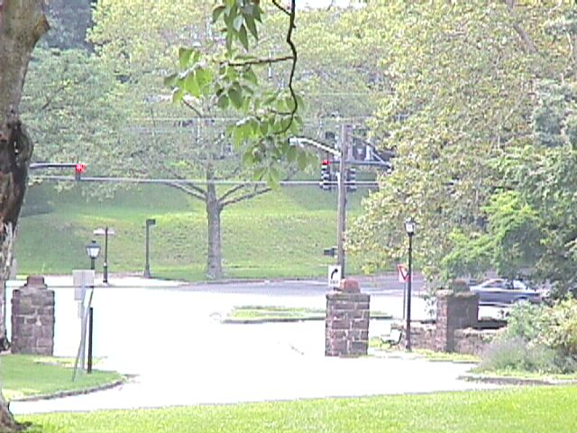 Entrance to Park - swmang18.jpg - July 30, 2000