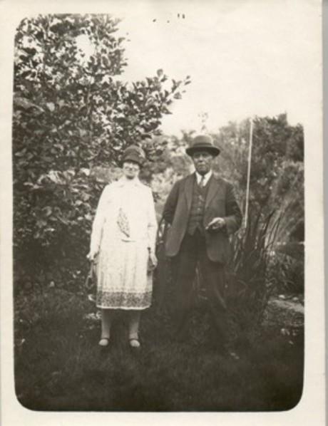 http://freepages.genealogy.rootsweb.com/~reindervantil/HiltjeOverkamp.jpg