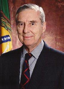Sen. Lloyd Bentsen