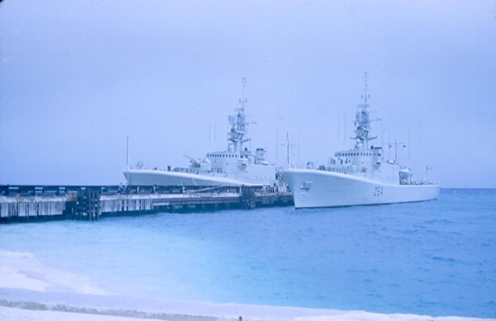 Royal Canadian Navy : HMCS Qu'Appelle, HMCS Saskatchewan.