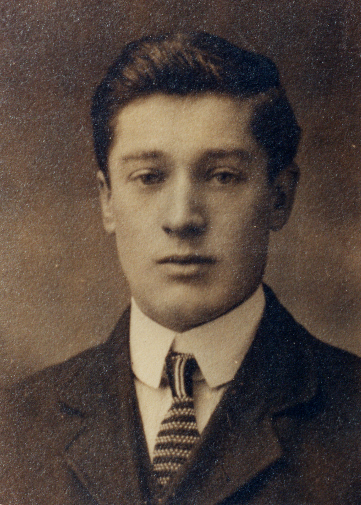 Arthur Albert Net Worth